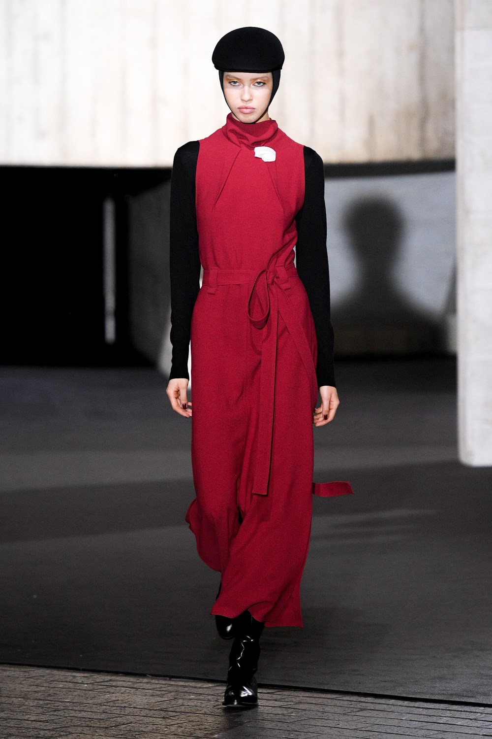 Roland Mouret Fall 2020 Fashion Show Photos