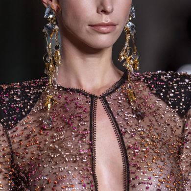 Naeem Khan Fall 2020 Fashion Show Details