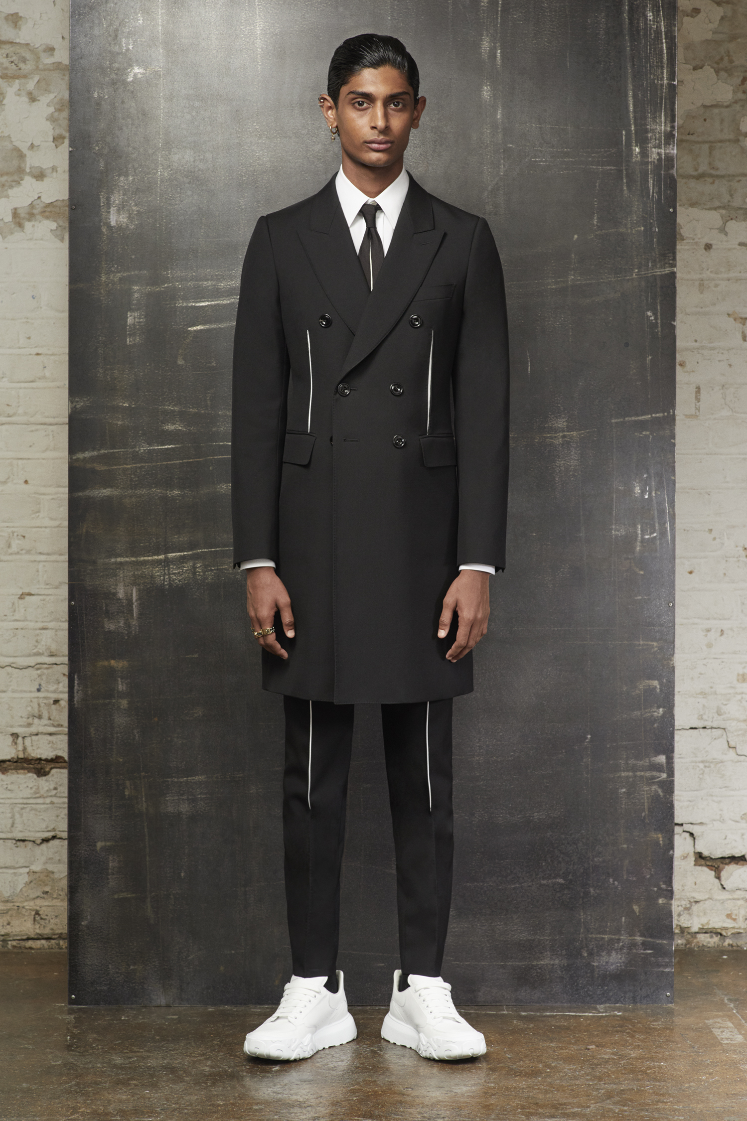 Alexander McQueen Pre-Fall 2020 Men's Fashion Collection