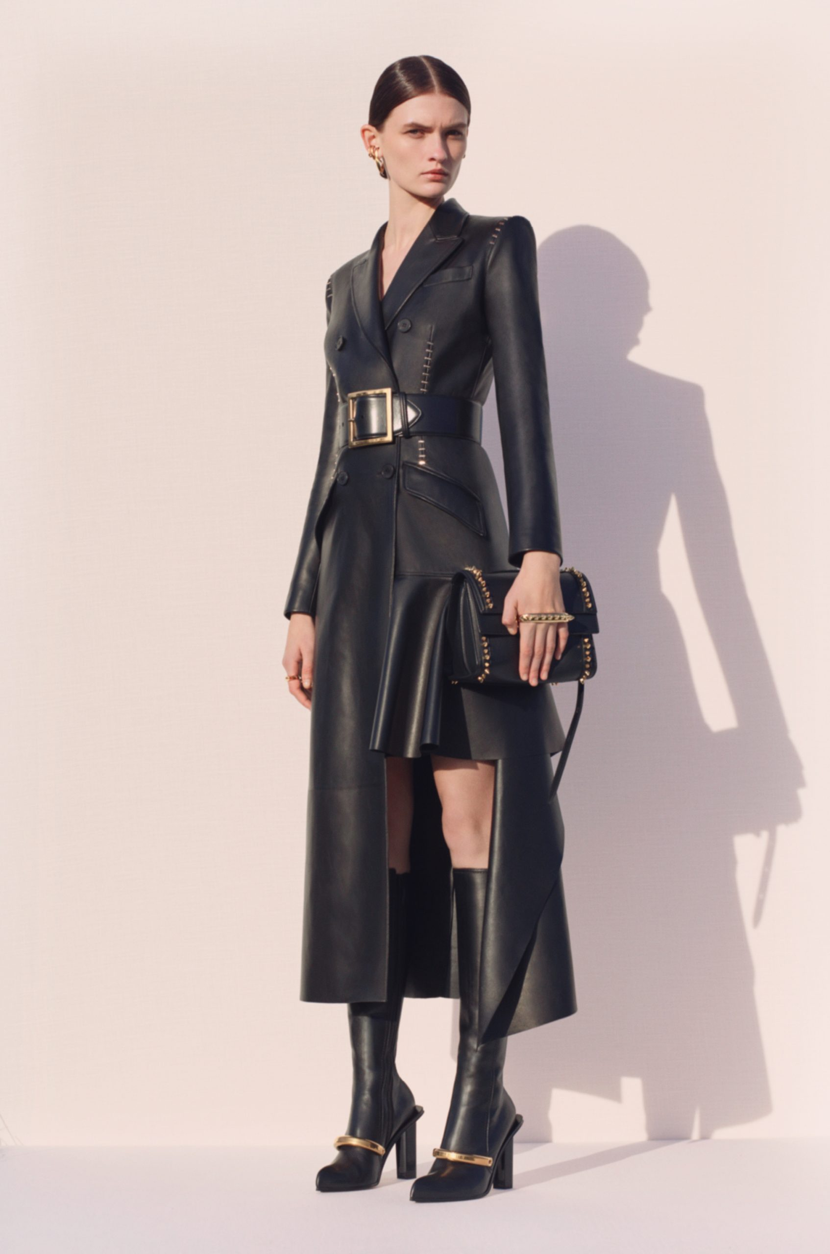 Alexander McQueen Pre-Fall 2020 Fashion Collection Pictures