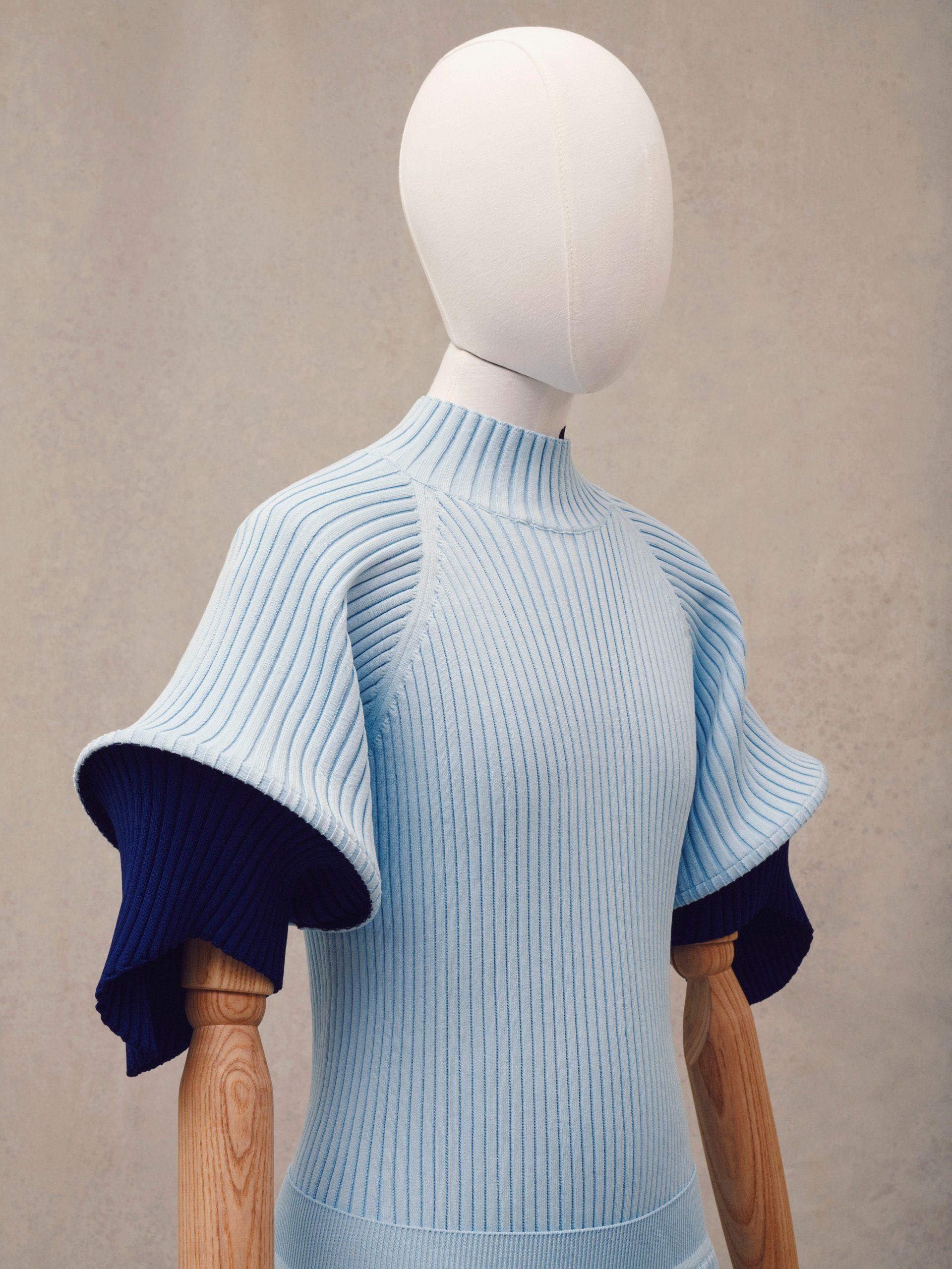 Loewe Spring 2021 Men's Fashion Show Photos