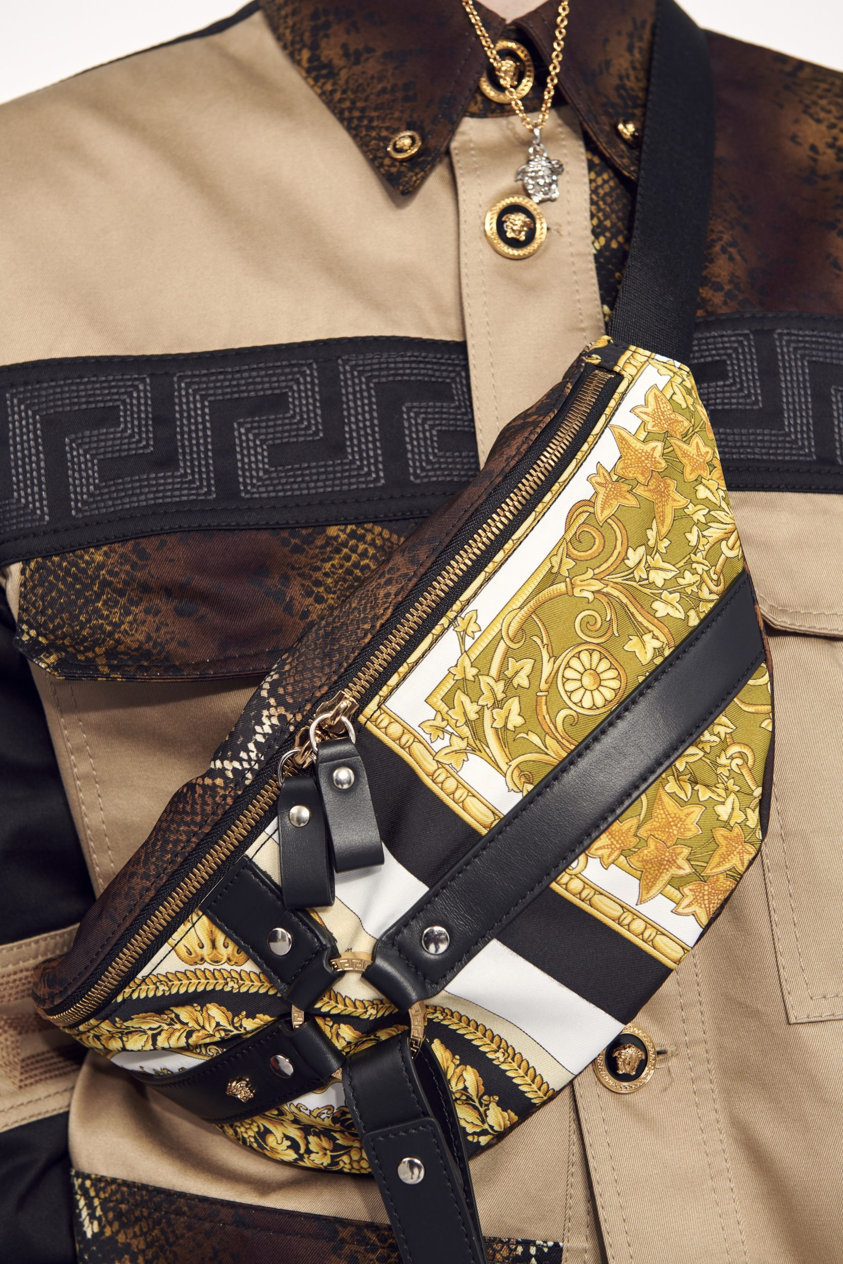 Versace Resort 2021 Fashion Collection Details Photos