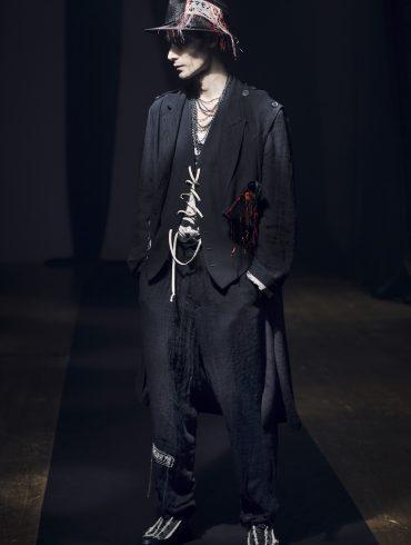 Yohji Yamamoto Spring 2021 Men's Fashion Show