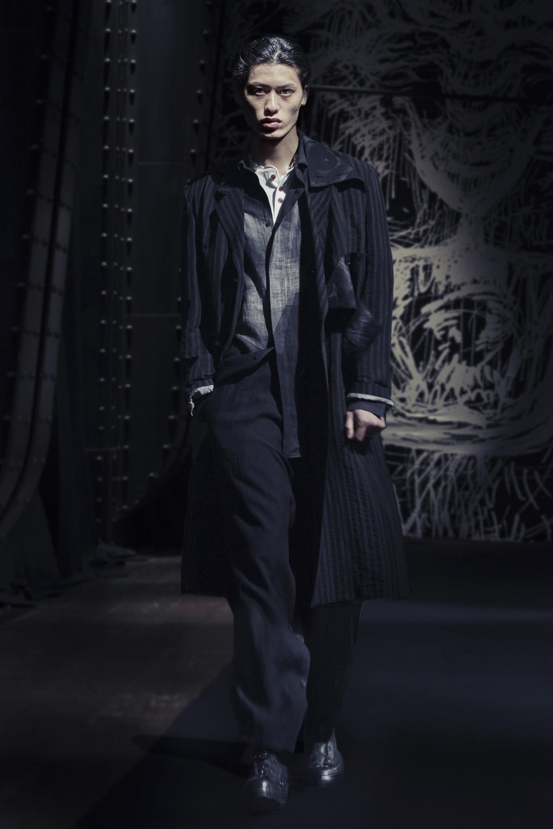Yohji Yamamoto Spring 2021 Men's Fashion Show Photos