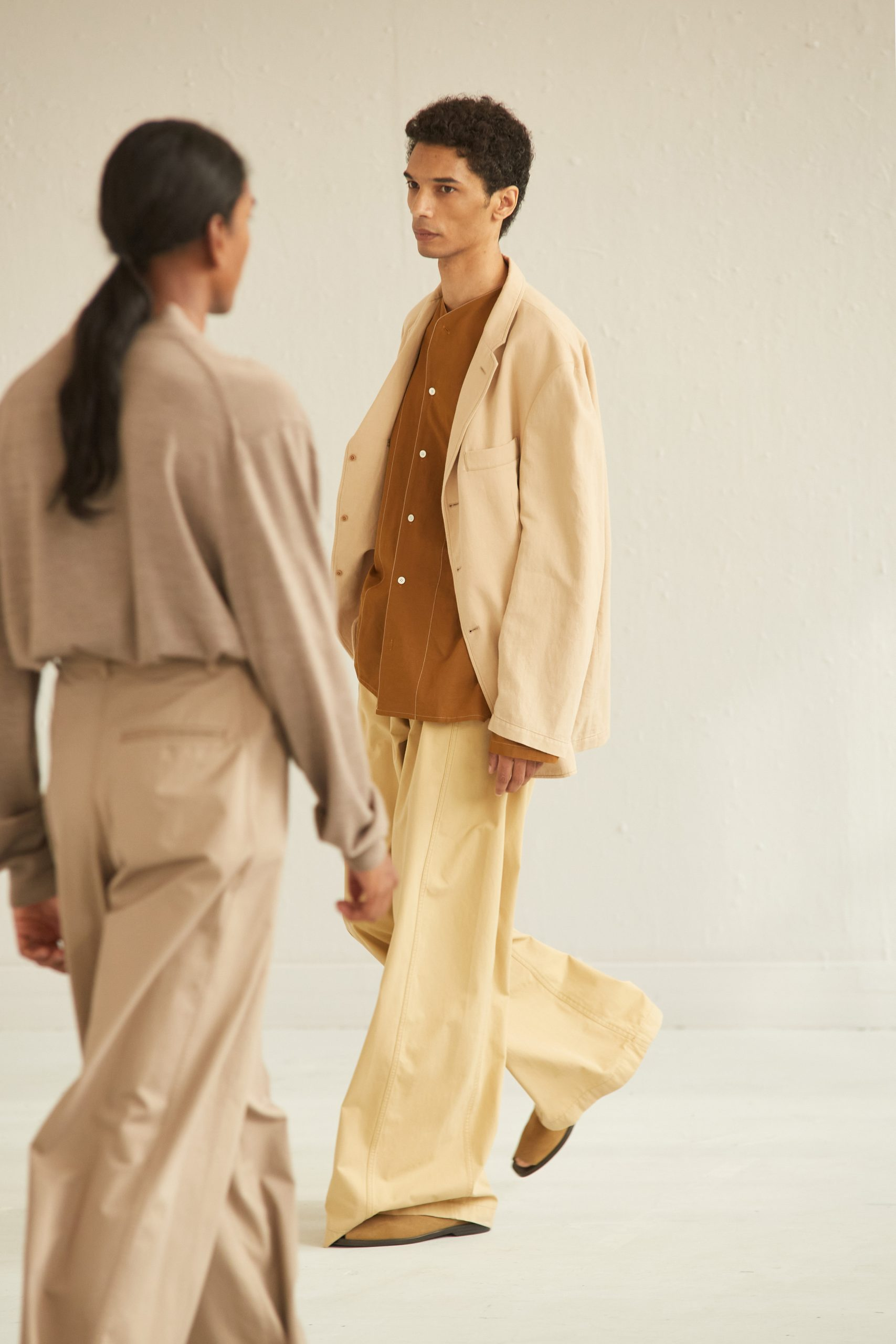 Relaxed Silhouette Spring 2021 Fashion Trend