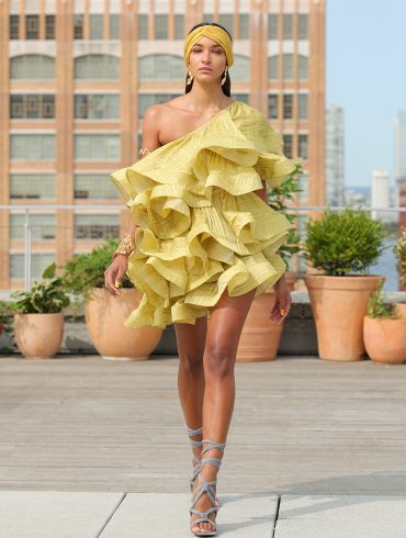 Bronx & Banco Spring 2021 Fashion Show
