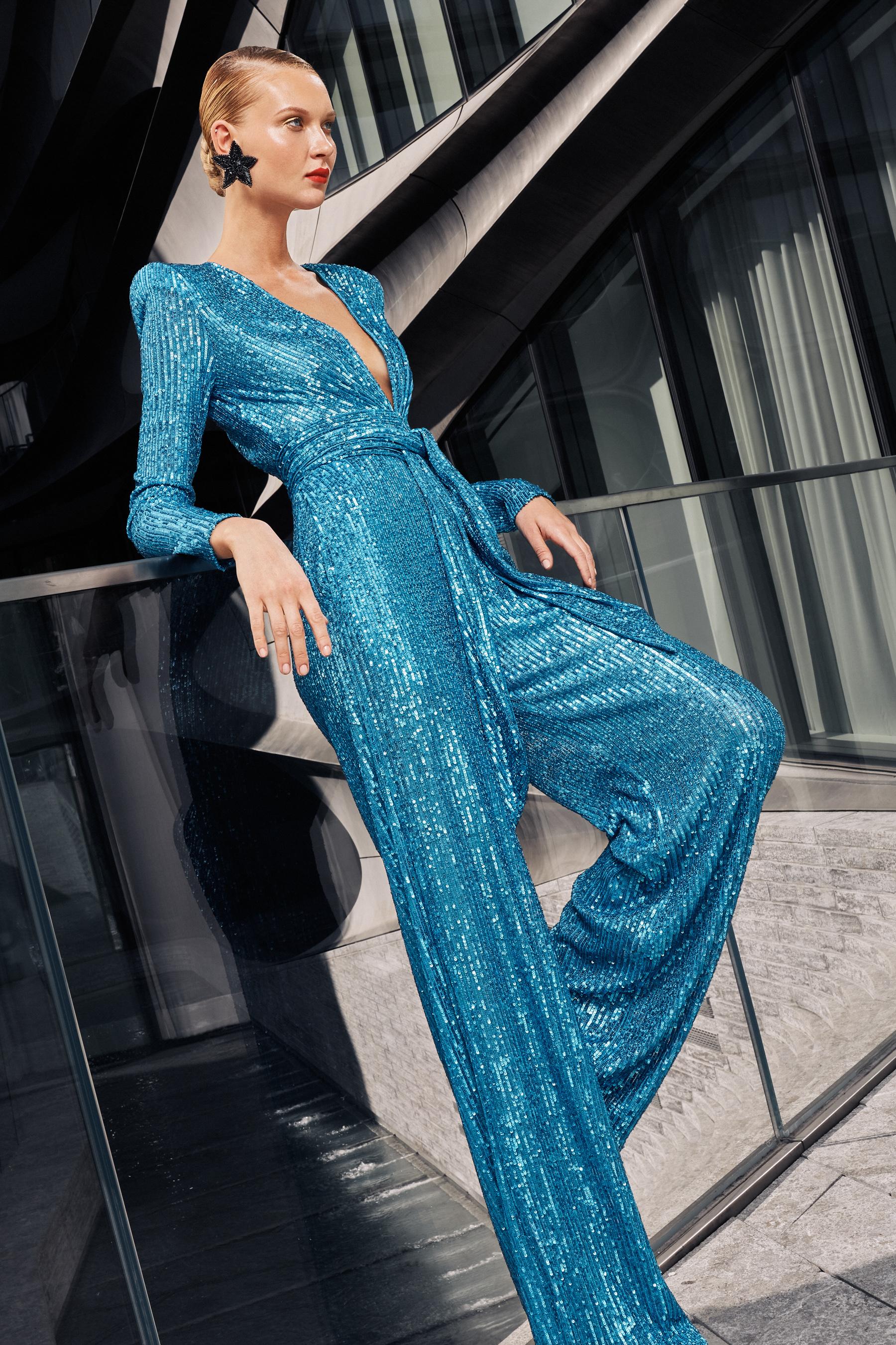 Naeem Khan Spring 2021 Fashion Show Photos