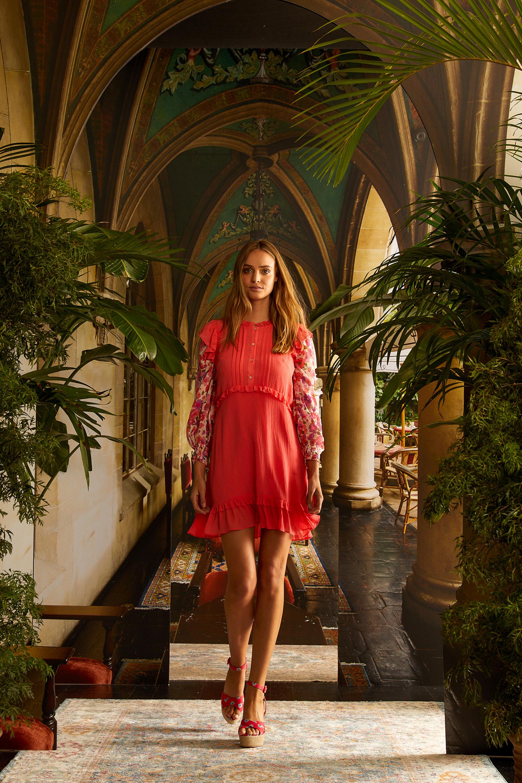 Nicole Miller Spring 2021 Fashion Show Photos