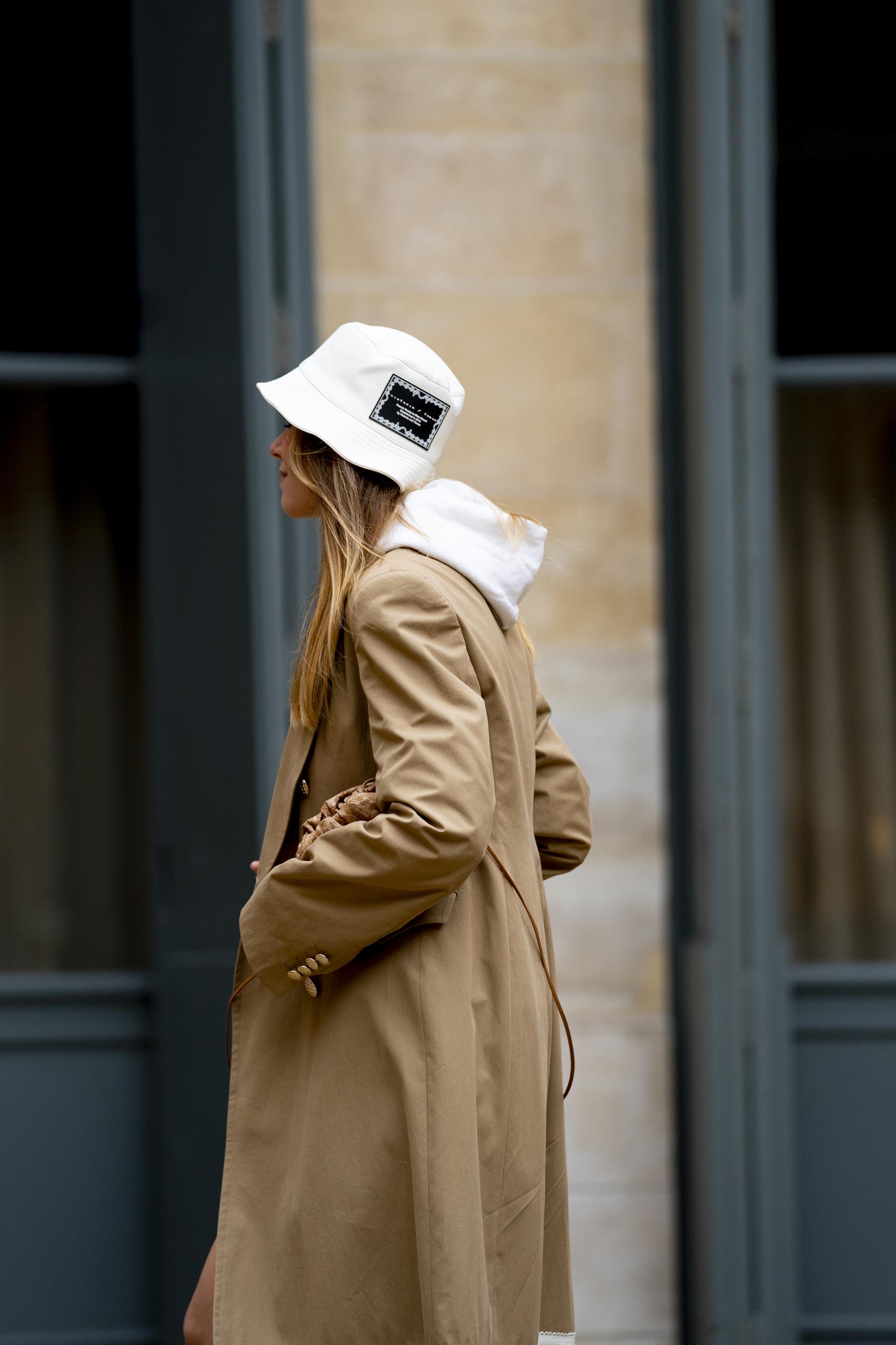 Paris Street Style Spring 2021 Day 1