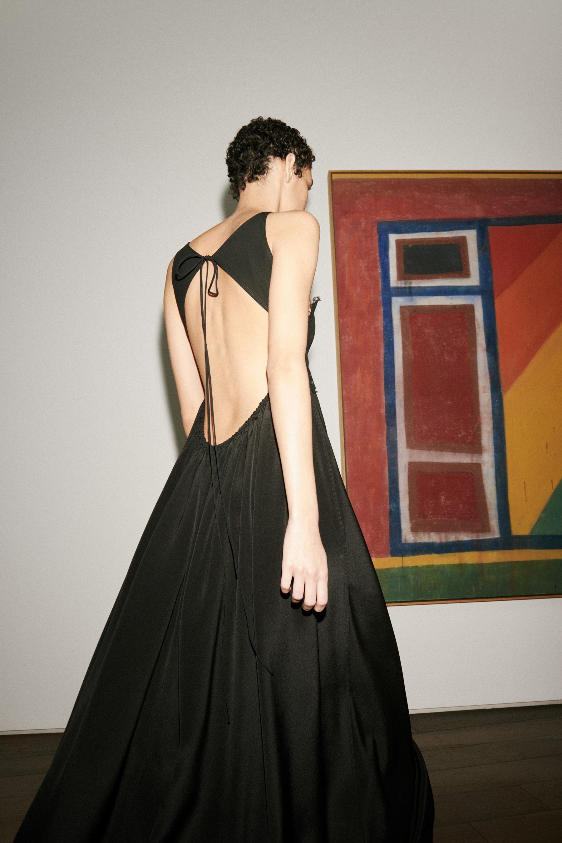 Victoria Beckham Spring 2021 Fashion Show Photos