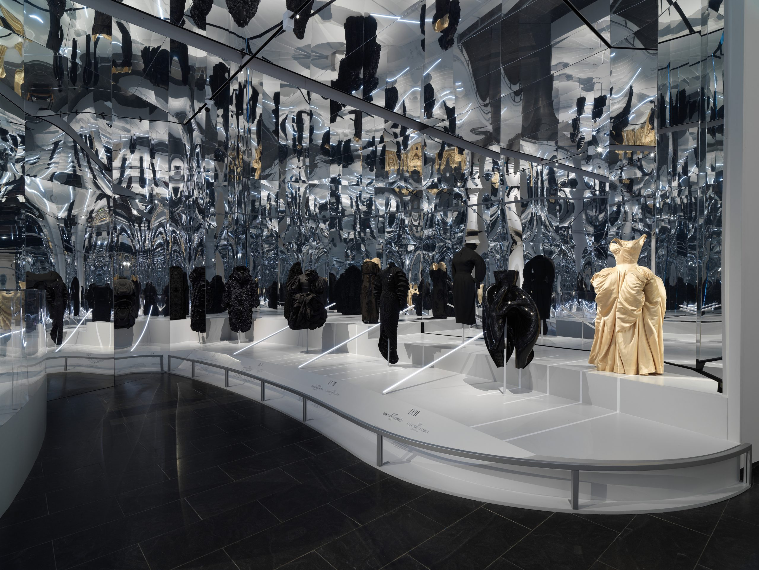 """Review of the MET's """"About Time: Fashion and Duration"""" Exhibit"""