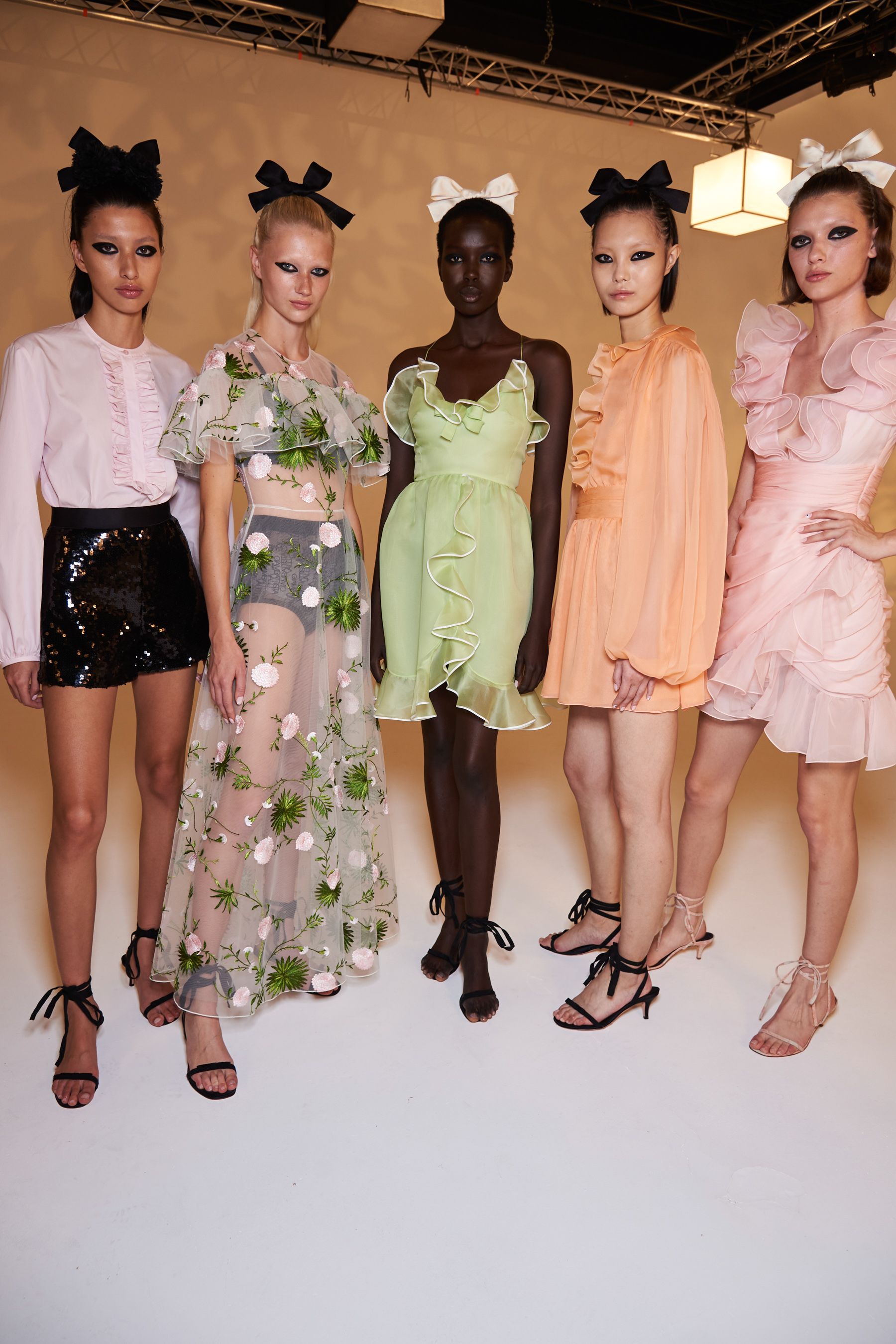 Giambattista Valli Spring 2021 Fashion Show Photos