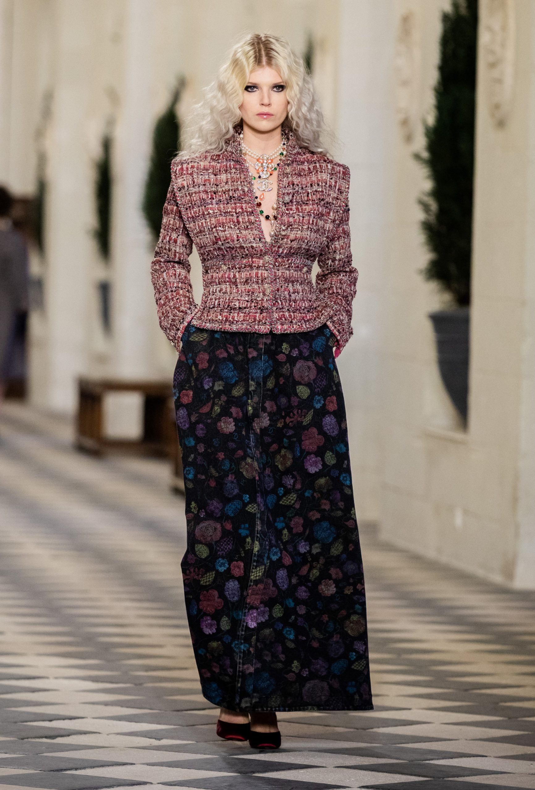 Chanel Métiers d'art 2020/21 Fashion Show Review
