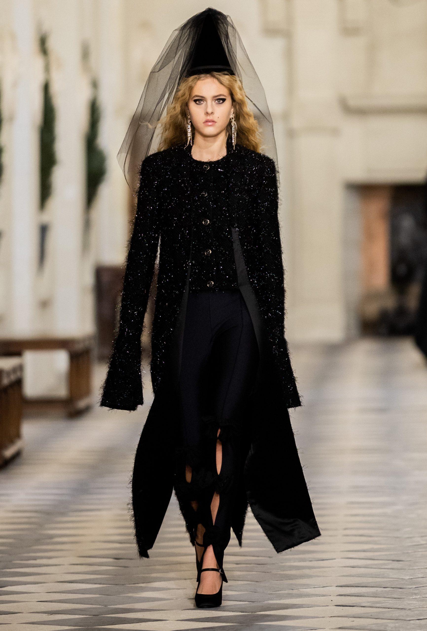 Chanel 'Le Château des Dames' Métiers d'art 2020/21 Fashion Show Photos