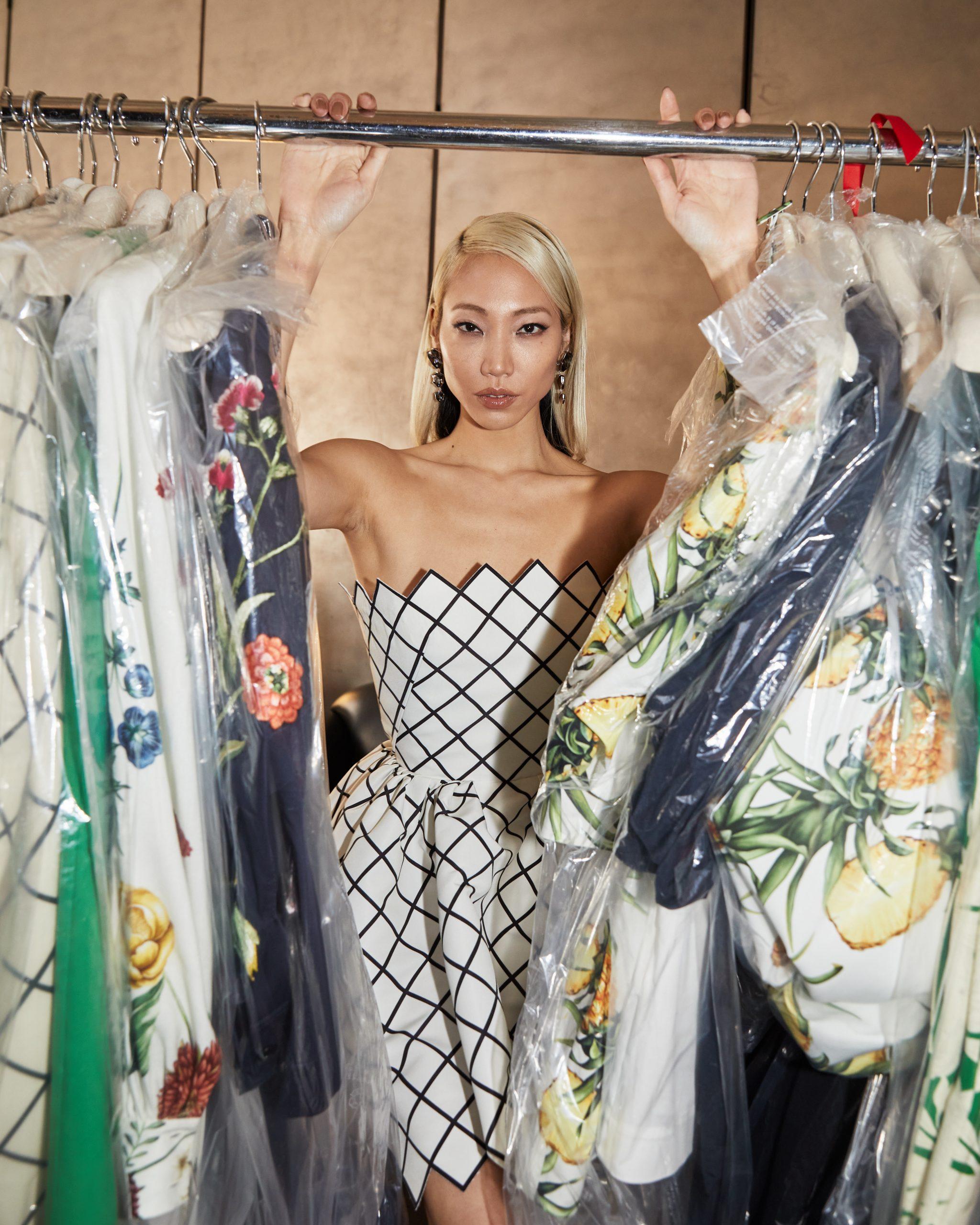 Oscar de la Renta Pre-Fall 2021 Fashion Show Backstage Photos