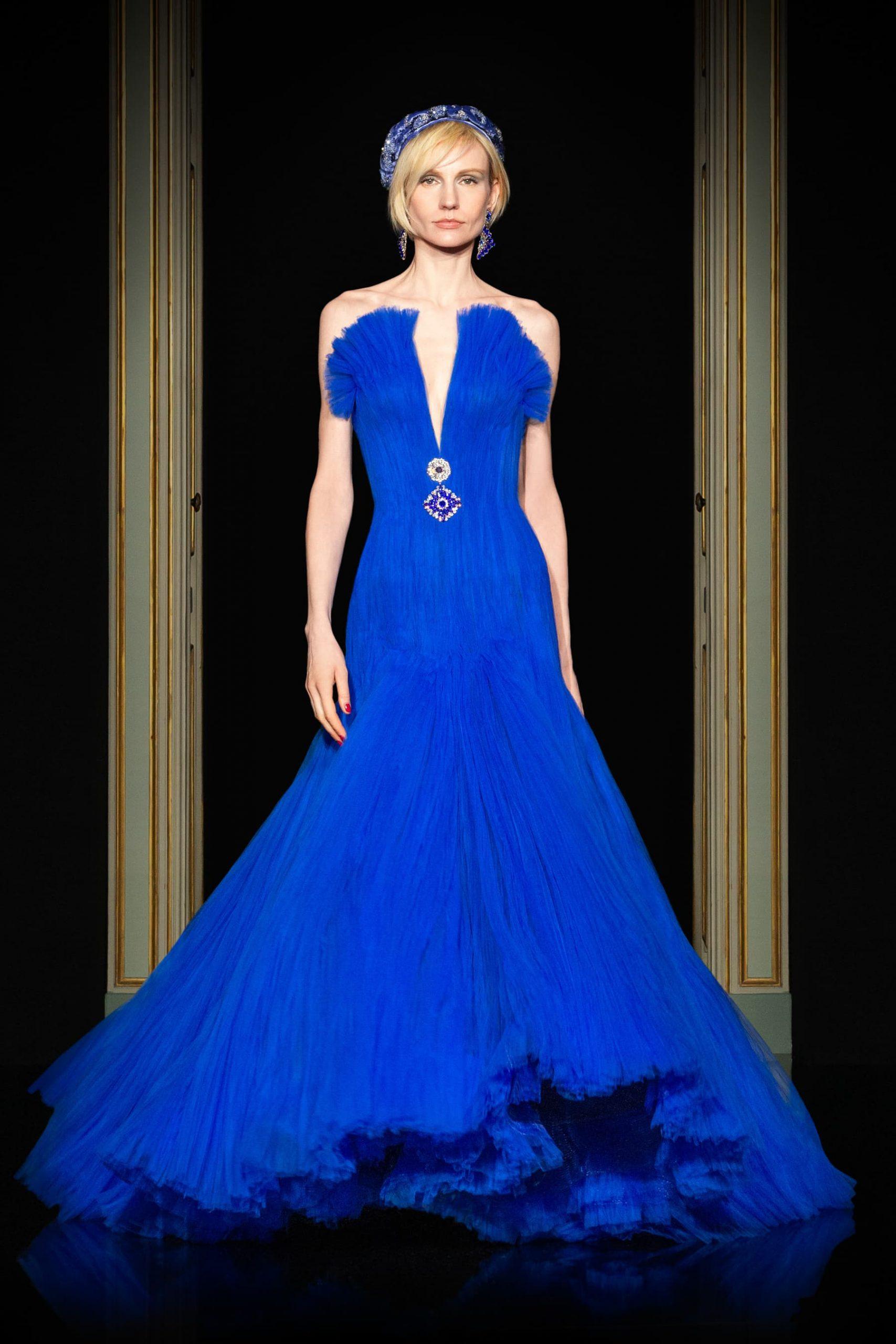 Giorgio Armani Privé Spring 2021 Haute Couture Fashion Show Review