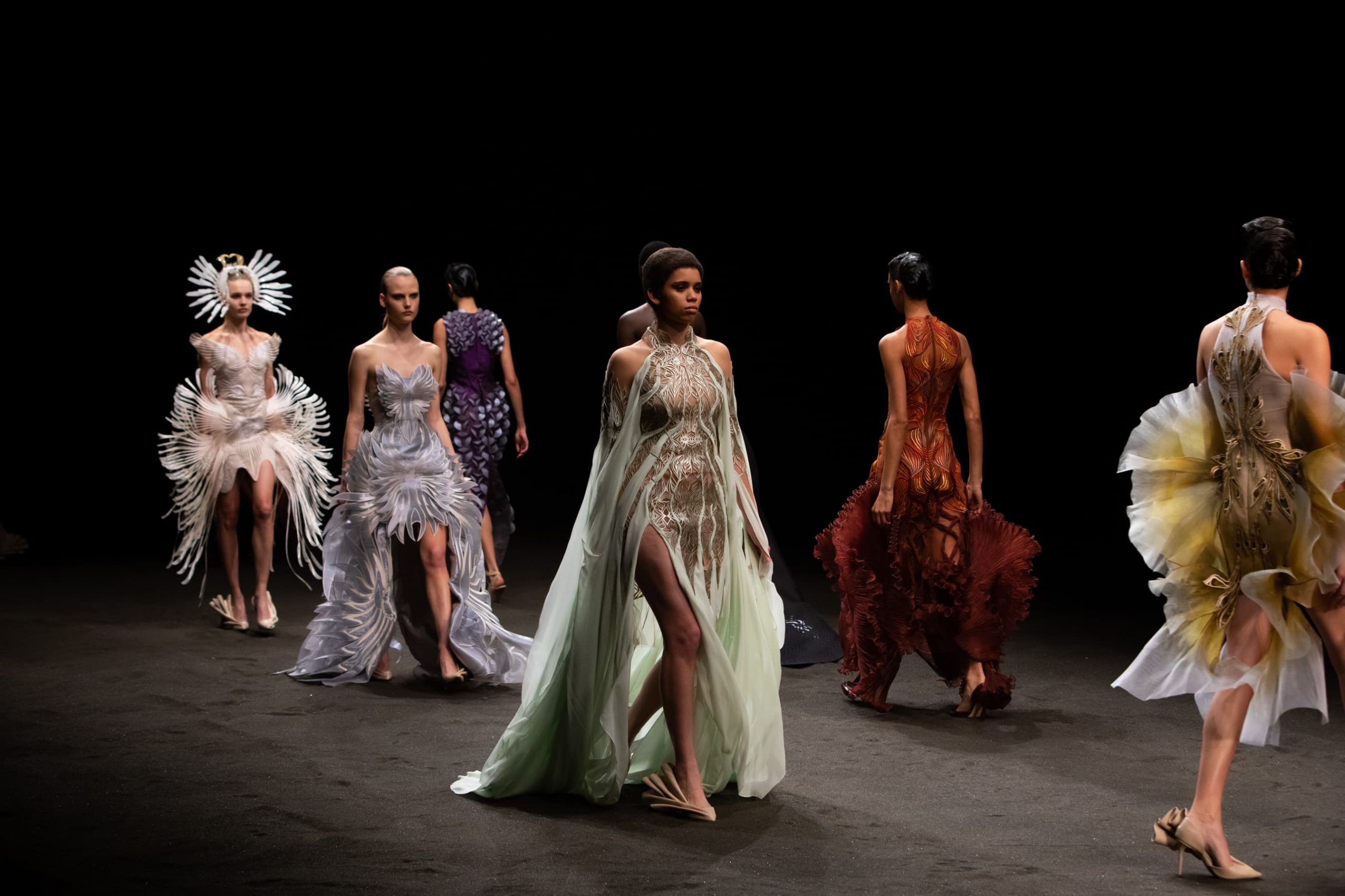 Review of Iris Van Herpen, Schiaparelli, Julie de Libran, Giambattista Valli Spring 2021 Haute Couture Fashion Shows