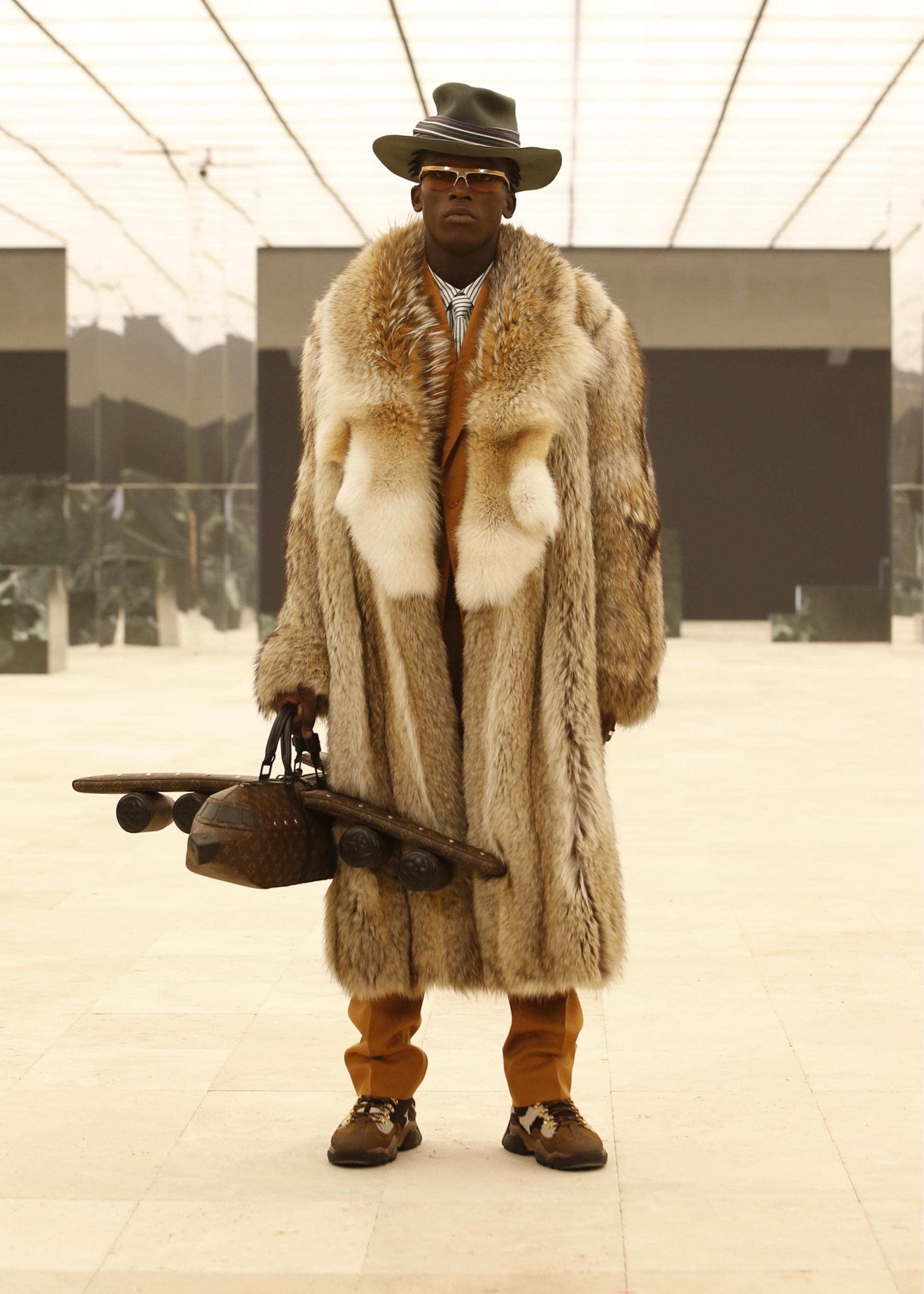 Louis Vuitton Fall 2021 Men's Fashion Show Photos