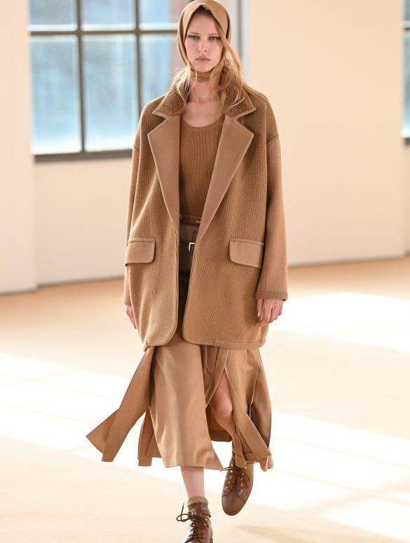 Max Mara Fall 2021 Fashion Show