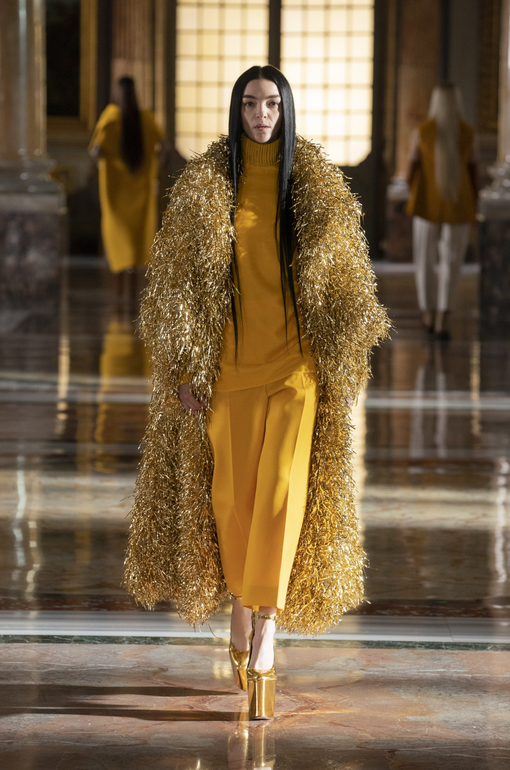 Gold Spring 2021 Couture Fashion Trend