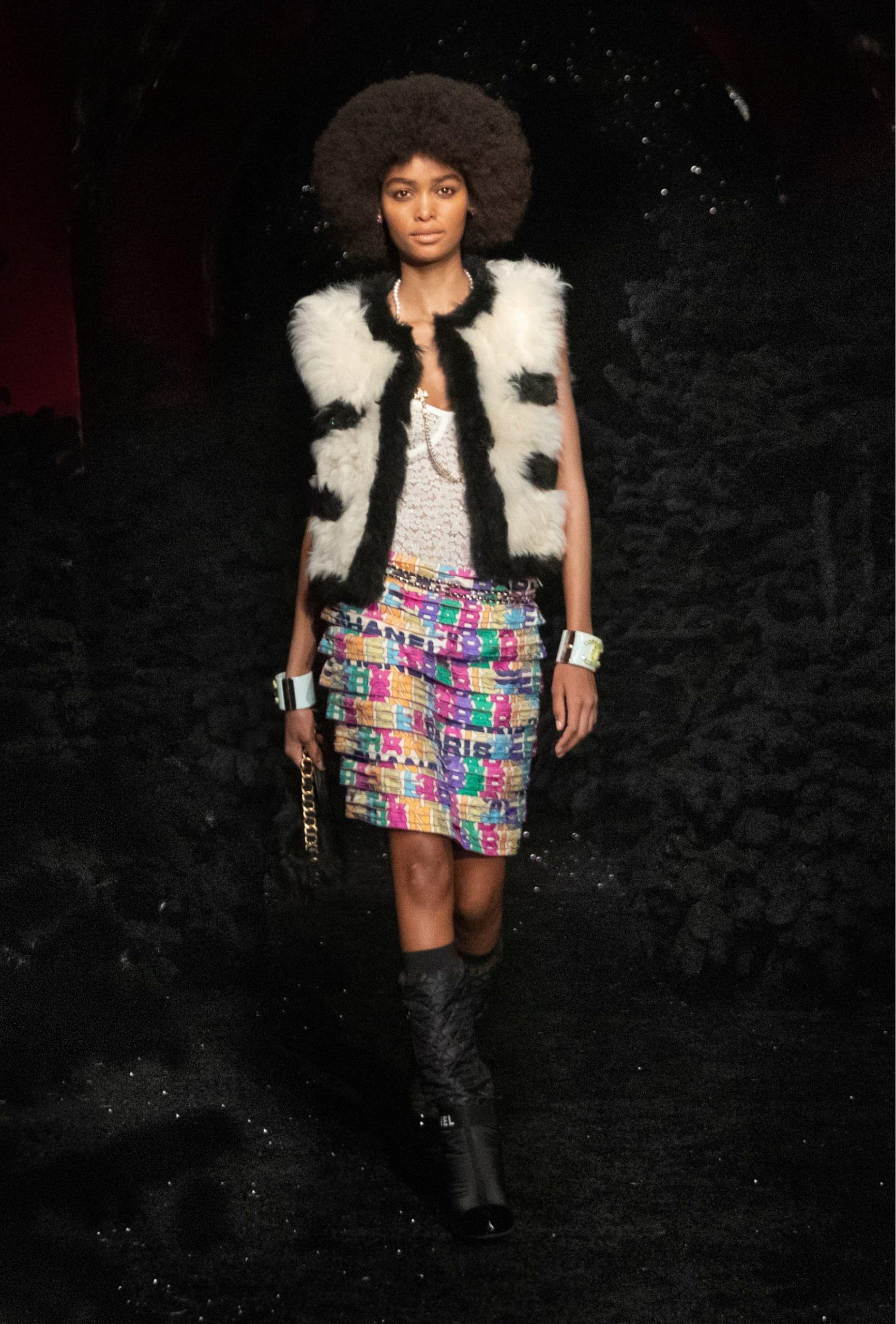Chanel Fall 2021 Fashion Show Review