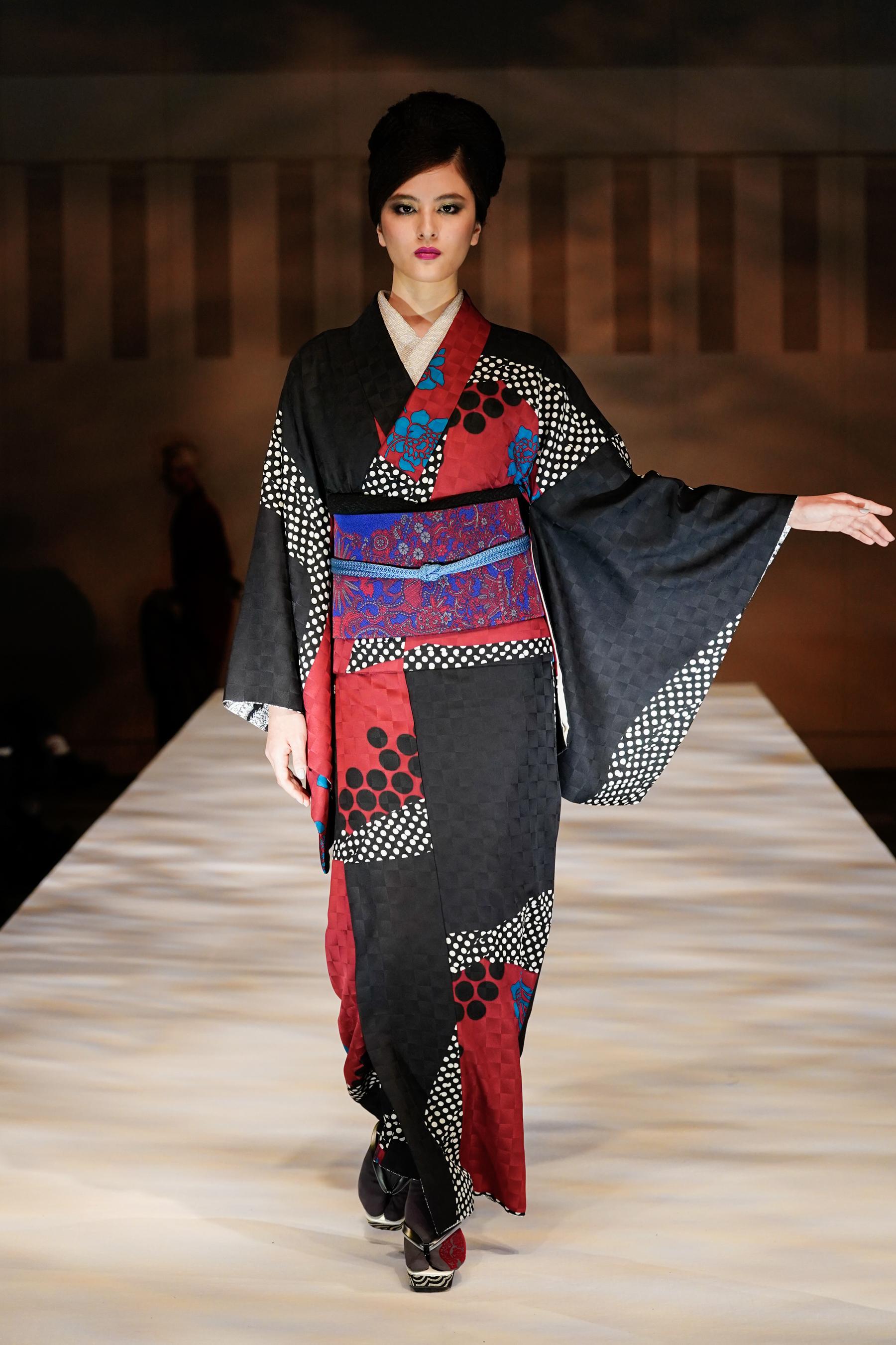 Jotaro Saito Fall 2021 Fashion Show