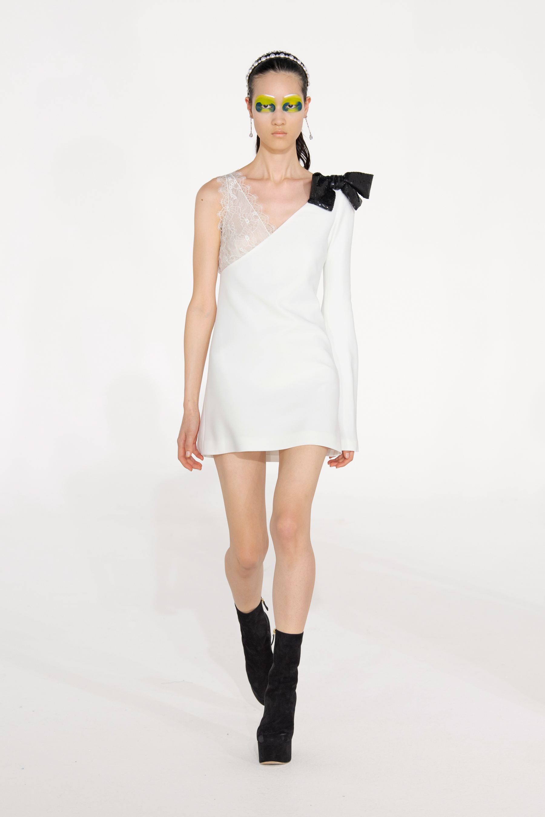 Giambattista Valli Fall 2021 Fashion Show