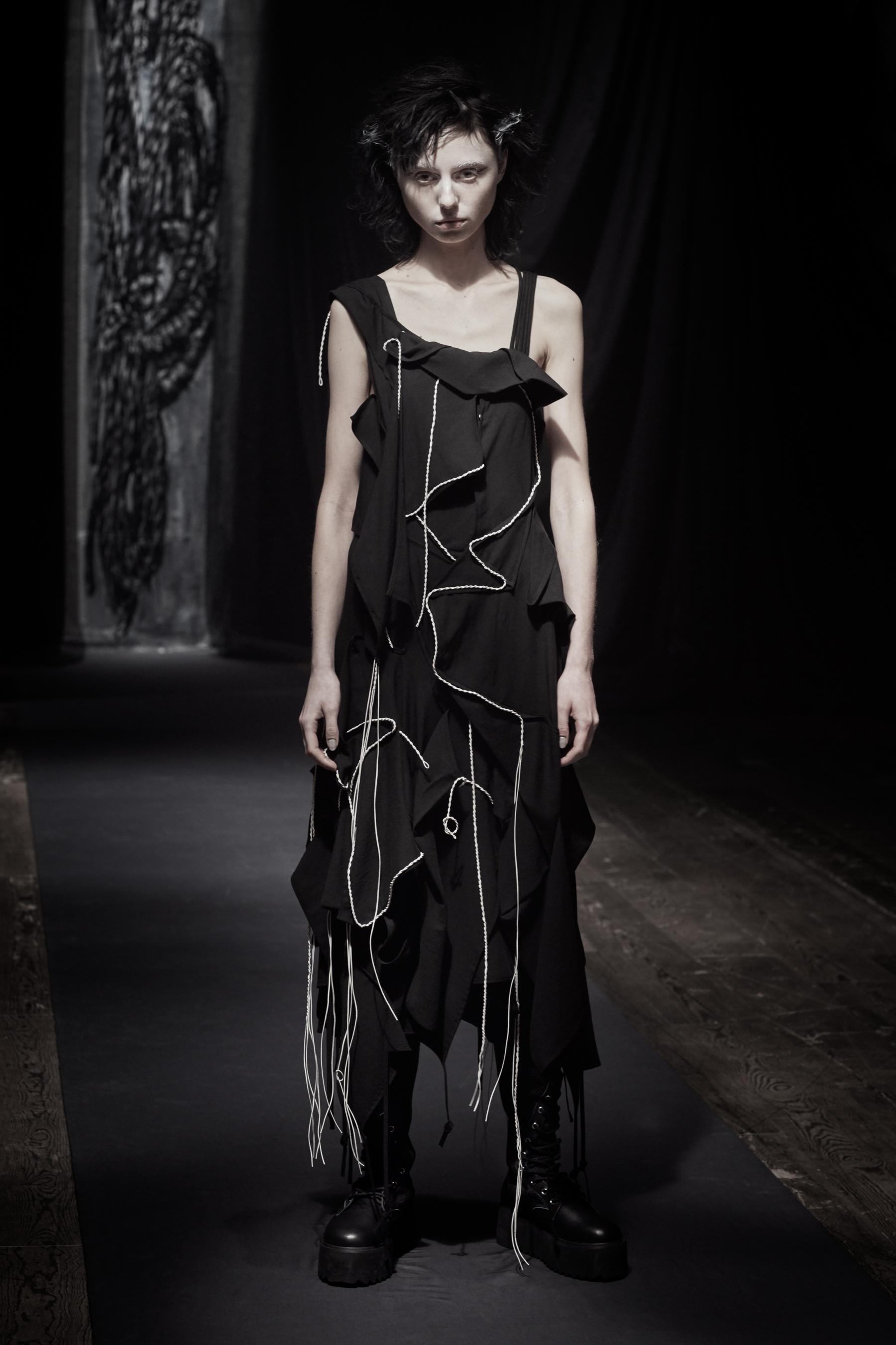 Yohji Yamamoto Fall 2021 Fashion Show