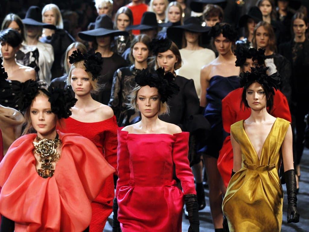Fashion Designer Alber Elbaz Dies at 59 of Covid