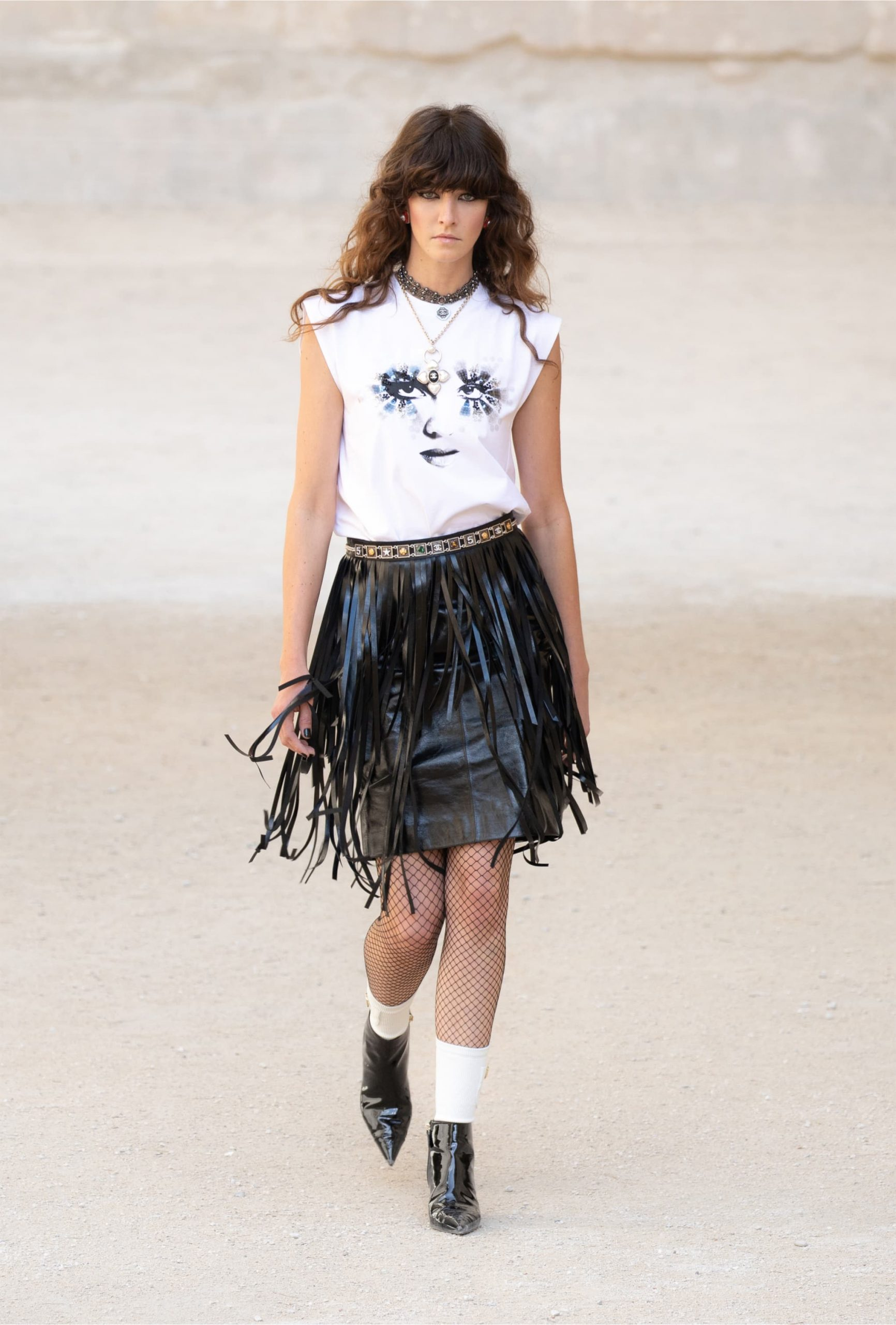 Chanel Cruise 21/2022 Fashion Show Review