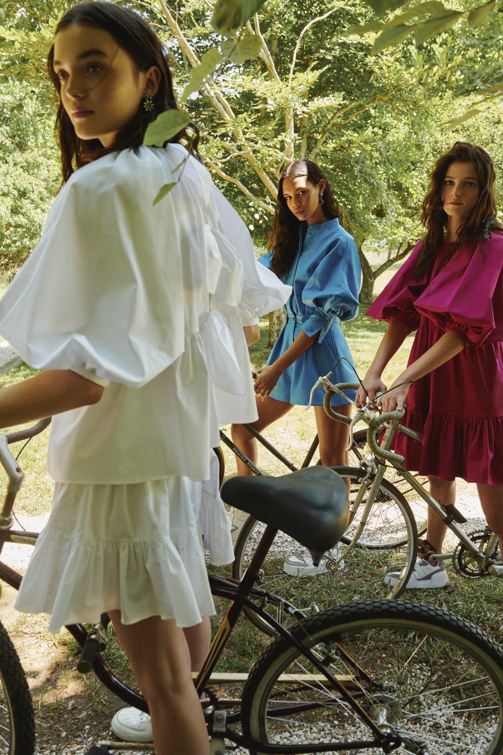 Oscar De La Renta Resort 2022 Fashion Show Photos