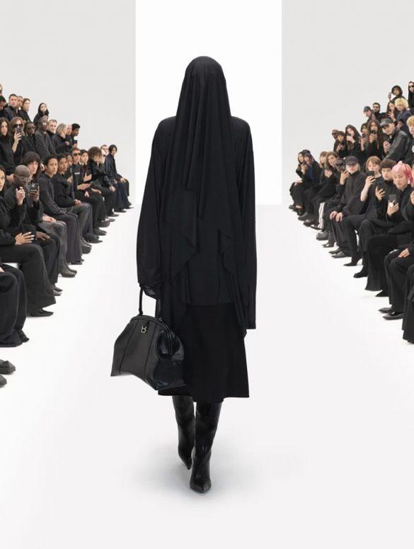 Balenciaga Spring 2022 Fashion Show Review