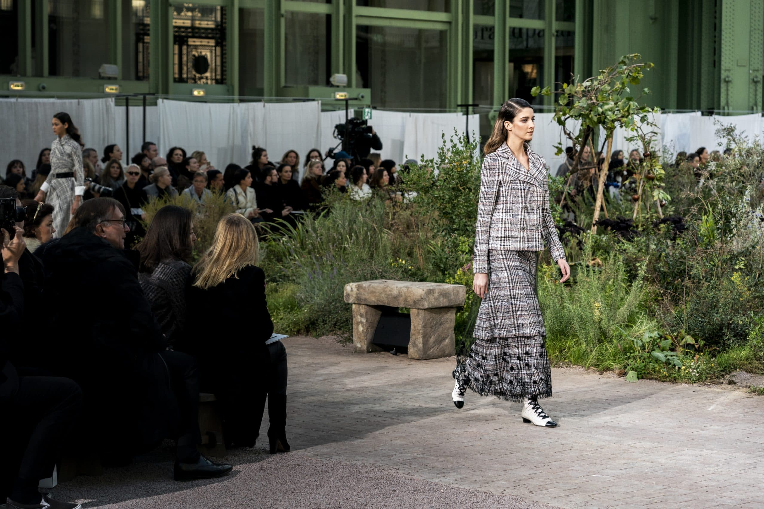 Paris Couture Fashion Week Features Eight Live Shows