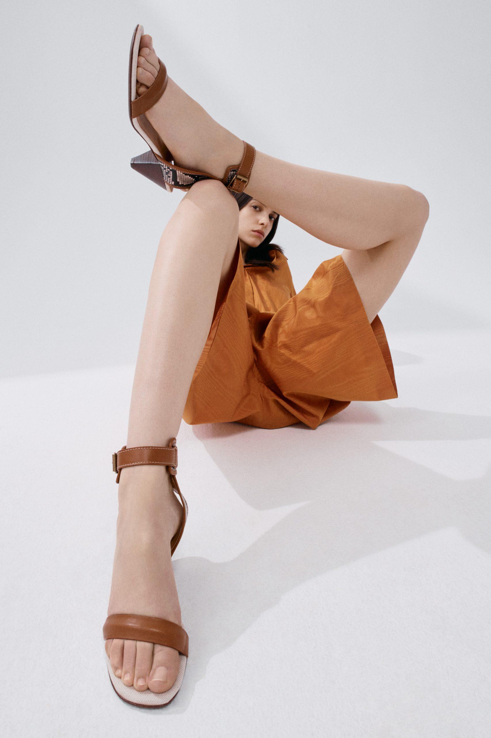 Tod's Resort 2022 Fashion Show Details