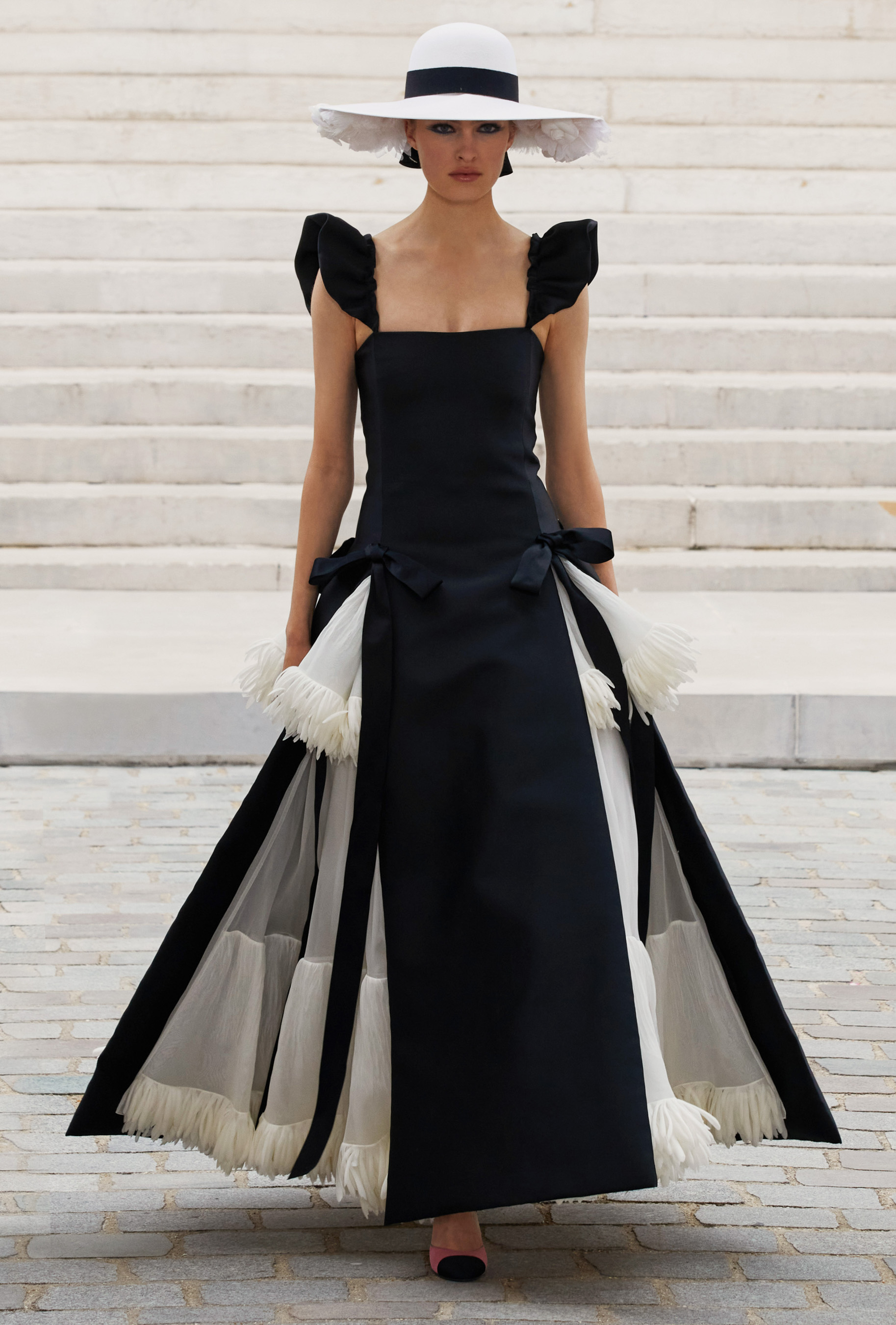 Chanel Fall 2021 Couture  Fashion Show