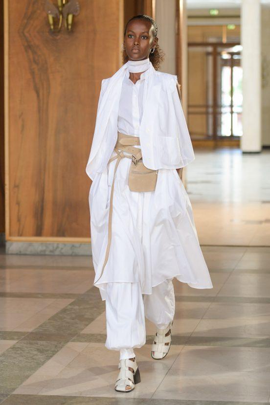 Mark Kenly Domino Tan Spring 2022  Fashion Show