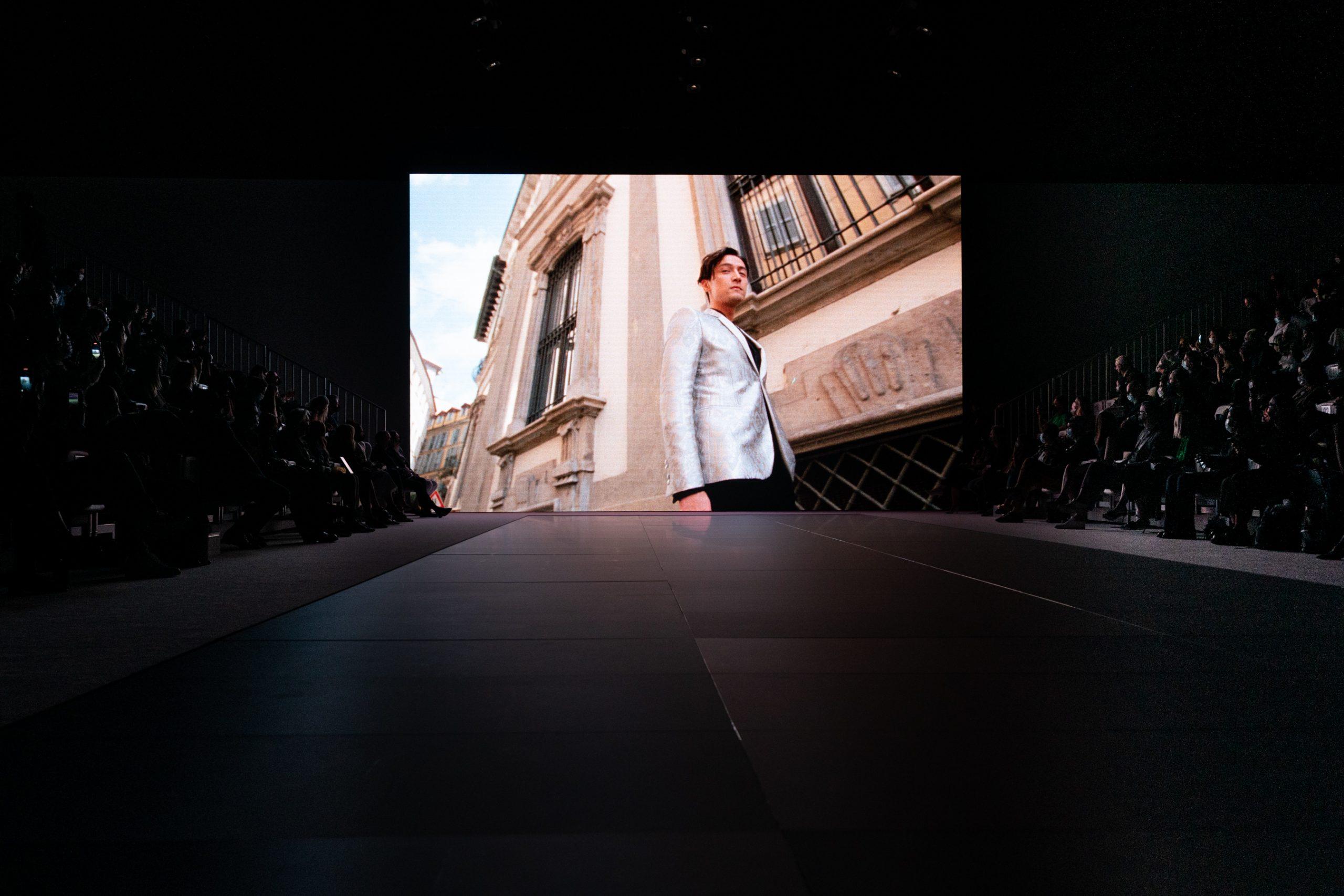 Emporio Armani Spring 2022 Atmosphere Fashion Show