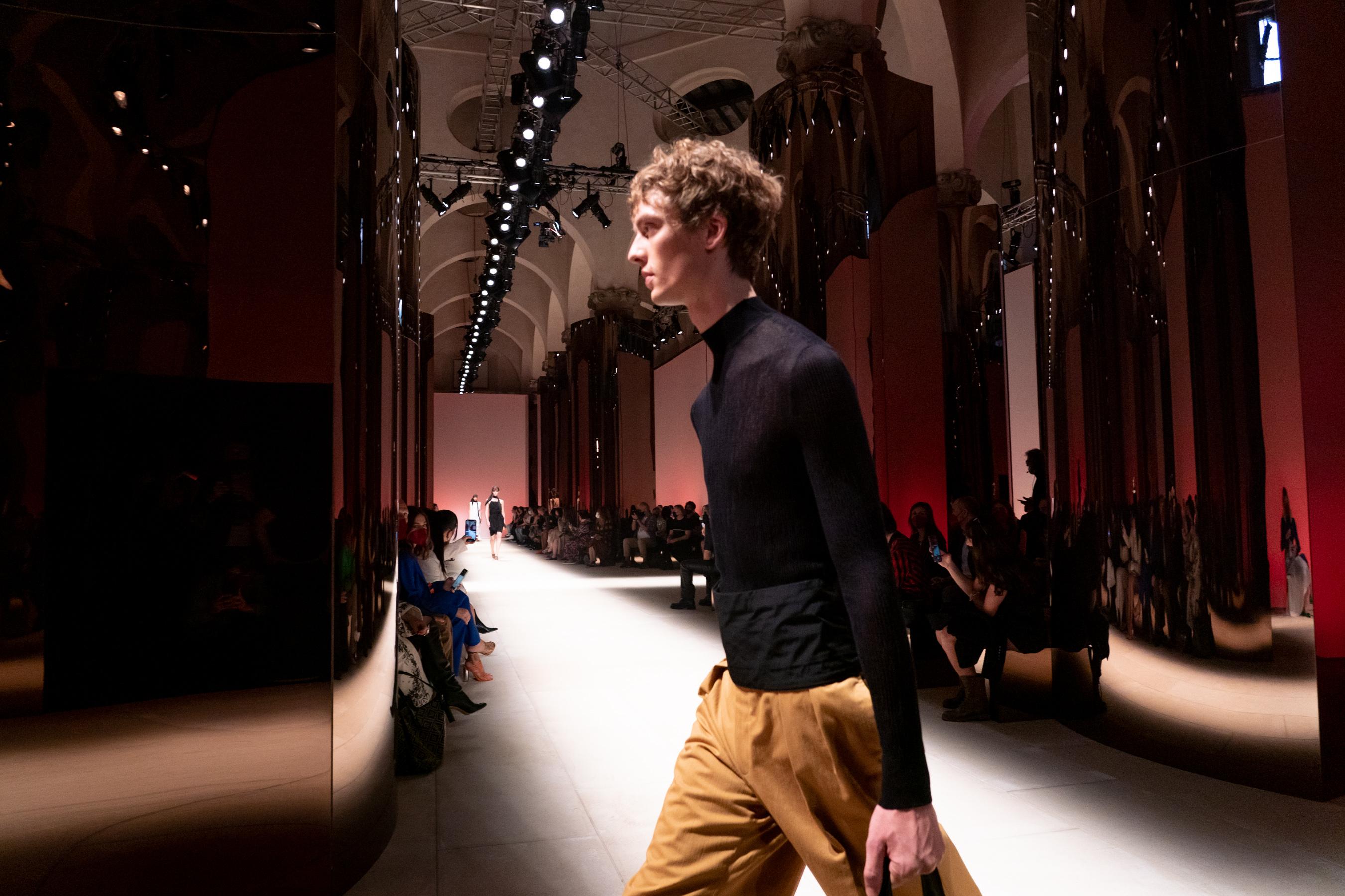 Salvatore Ferragamo Spring 2022 Atmosphere Fashion Show