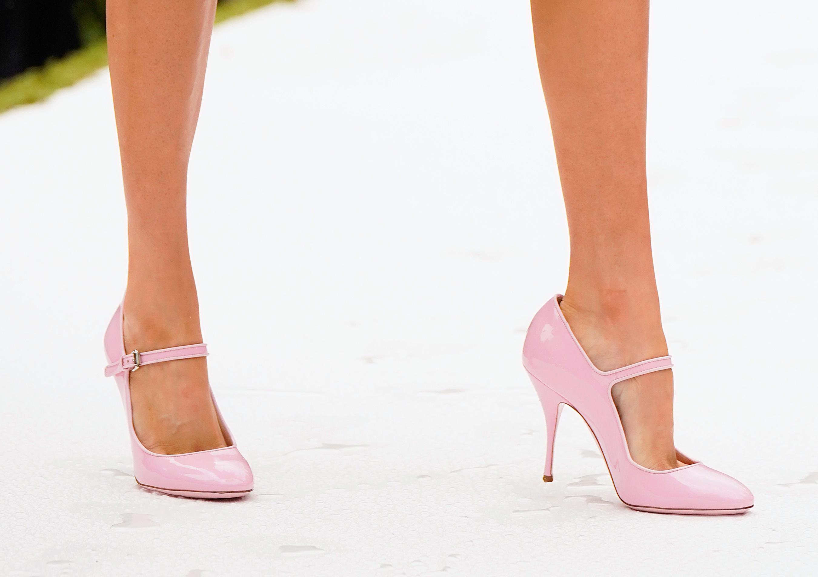 Moschino Spring 2022 Details Fashion Show