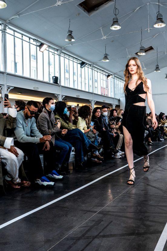 Ester Manas Spring 2022 Atmosphere Fashion Show