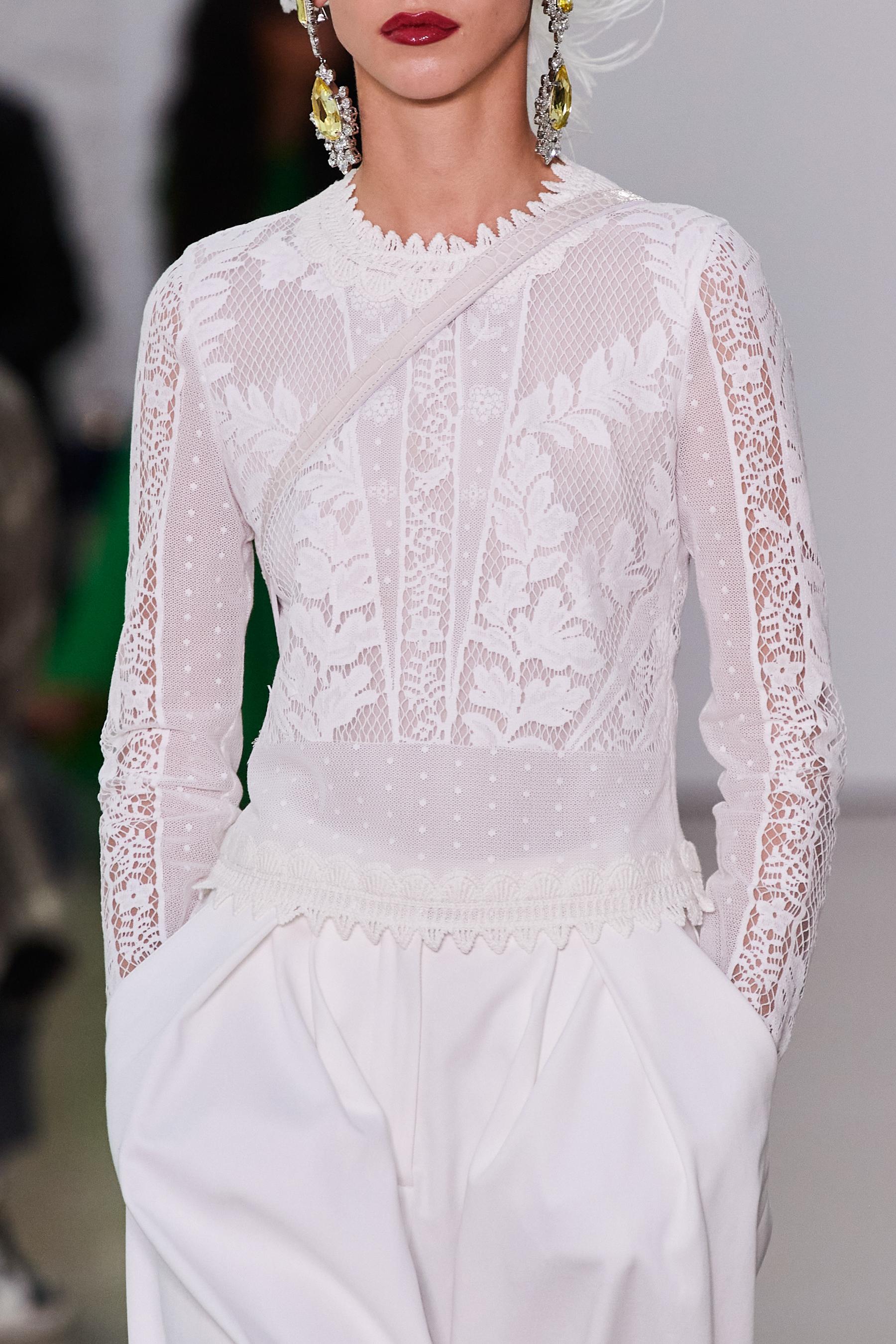 Giambattista Valli Spring 2022 Details Fashion Show