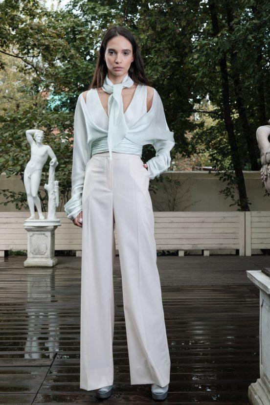 Valentin Yudashkin Spring 2022 fashion show