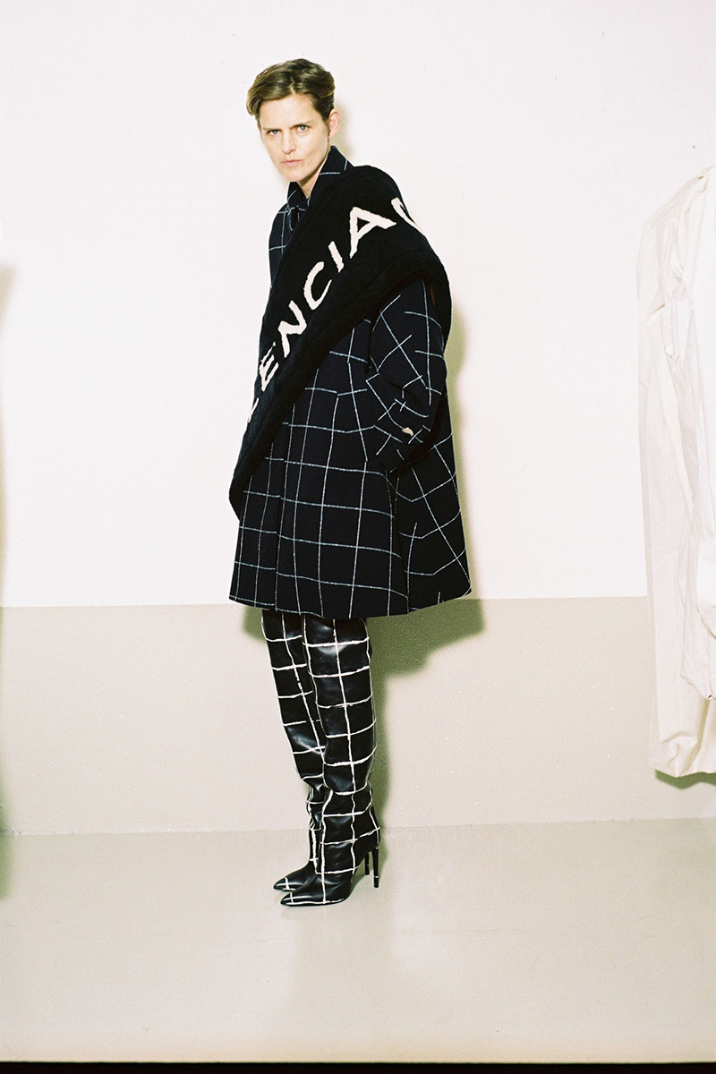 Balenciaga-pre-fall-2016-fashion-show-the-impression-11