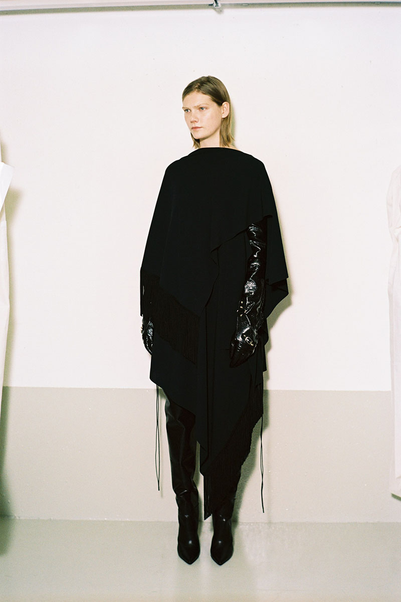 Balenciaga-pre-fall-2016-fashion-show-the-impression-20