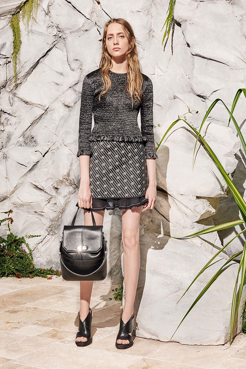 Carven-resort-2017-fashion-show-the-impression-21