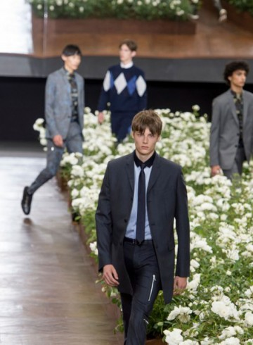dior homme fashion show spring 2016 photo
