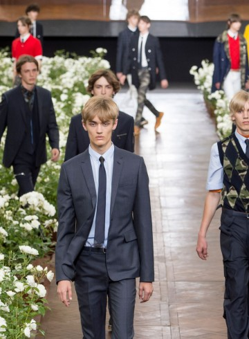 Dior Homme Spring 2016 Mens fashion show photo
