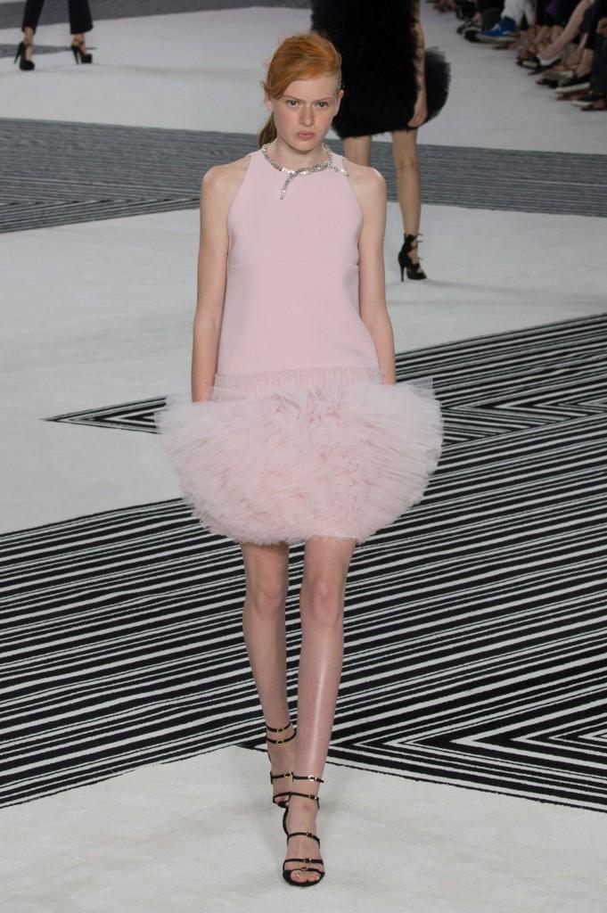 GIAMBATTISTA-VALLI-fall-2015-couture-the-impression-003