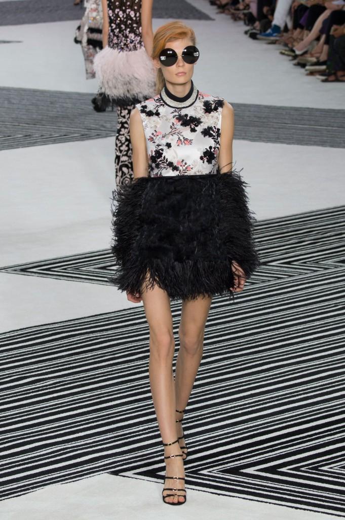 GIAMBATTISTA-VALLI-fall-2015-couture-the-impression-011