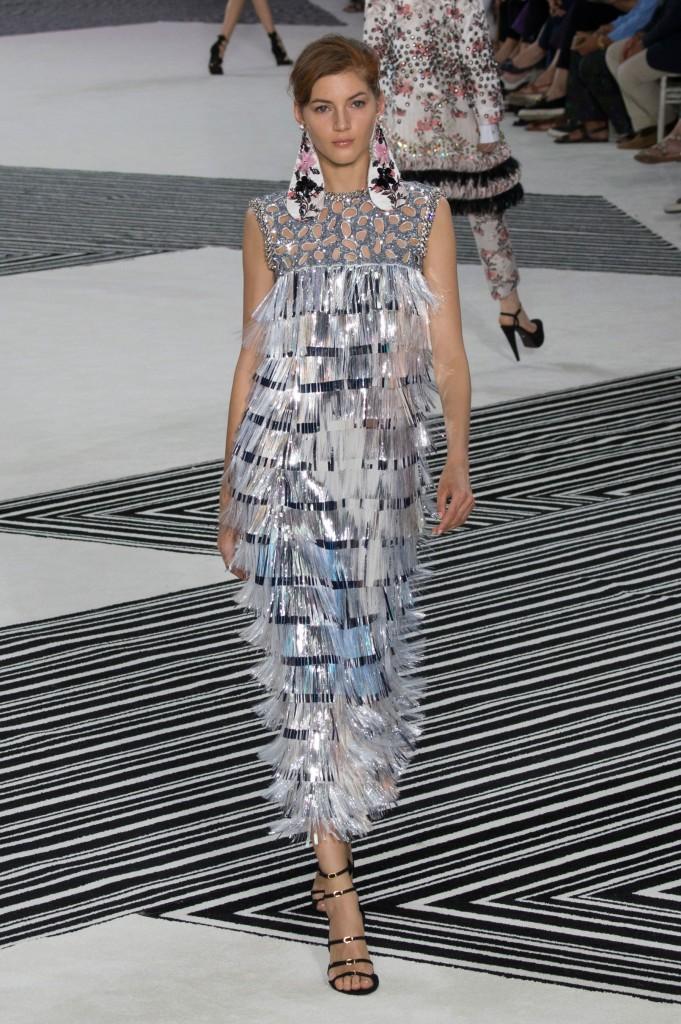 GIAMBATTISTA-VALLI-fall-2015-couture-the-impression-013
